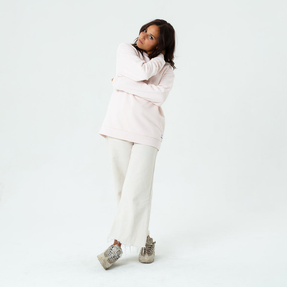 Marty - la base sakura usinex softest sweat in organic coton for women and men worn by Elodie Gerard