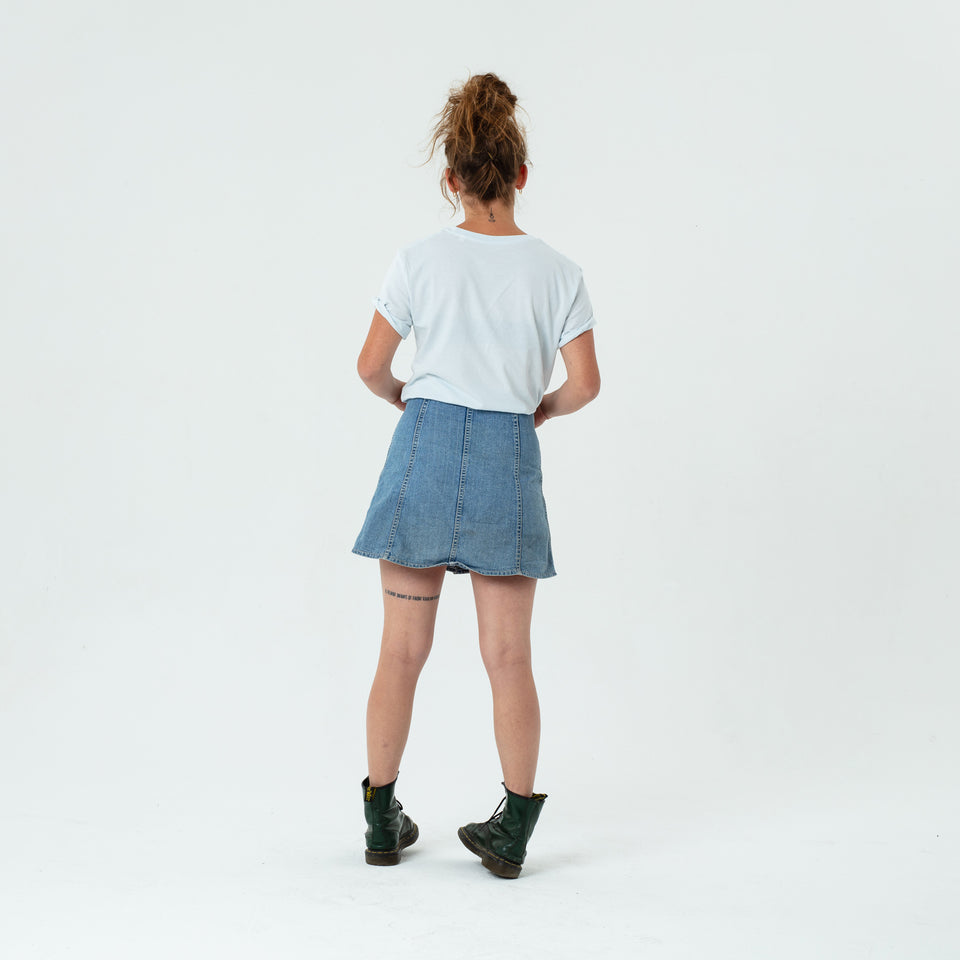 Morgan - la base ice blue usinex t-shirt in organic coton for women and men worn by Mara Taquin