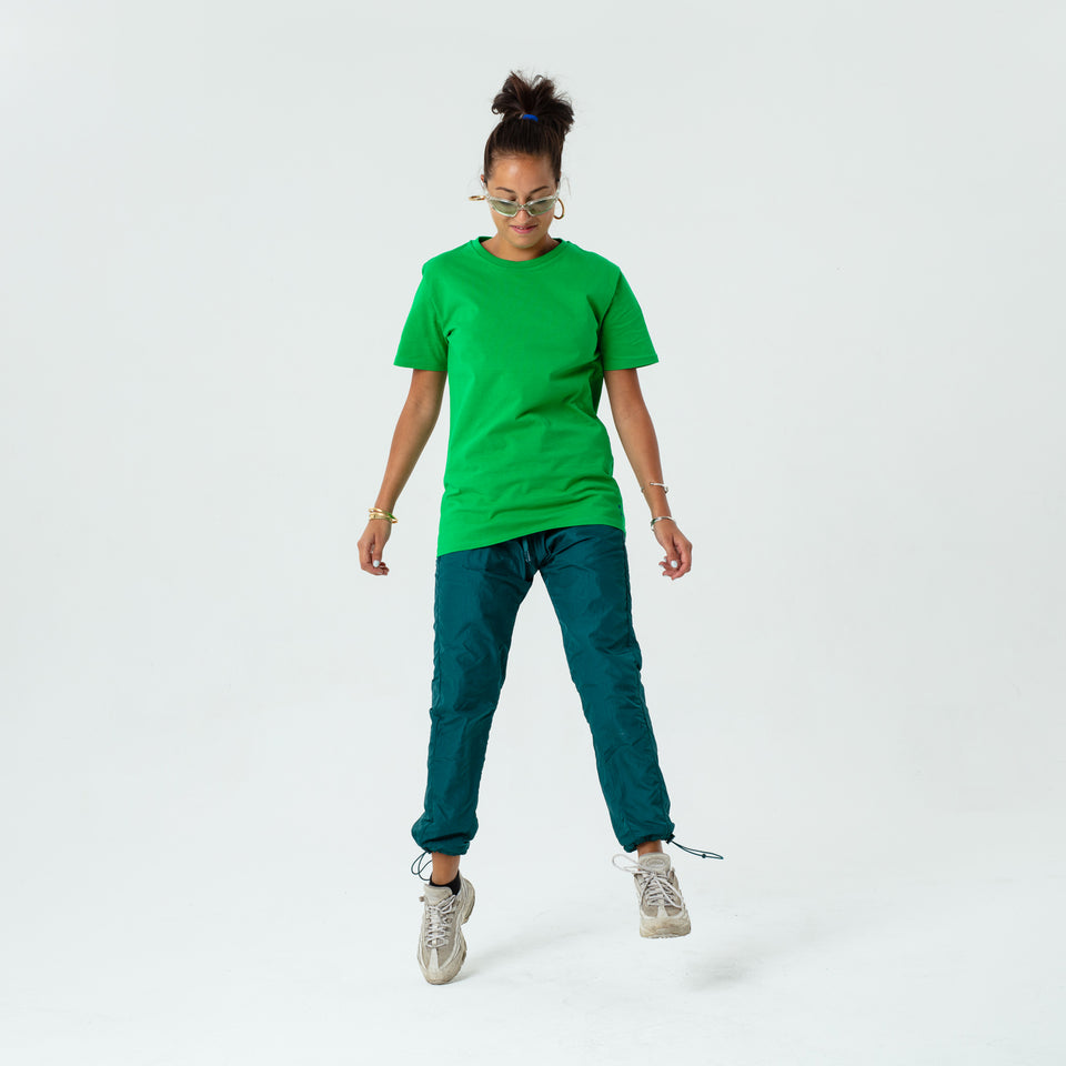 Morgan - la base pure green usinex t-shirt in organic coton for women and men worn by Elodie Gerard