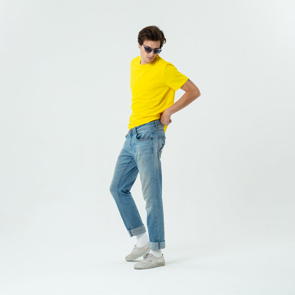 Morgan - la base pure yellow usinex t-shirt in organic coton for women and men worn by Sebastien Francois