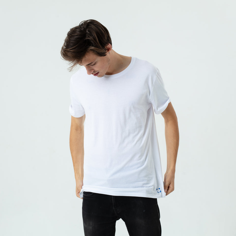 Morgan - la base white usinex t-shirt in organic coton for women and men worn by Sebastien François
