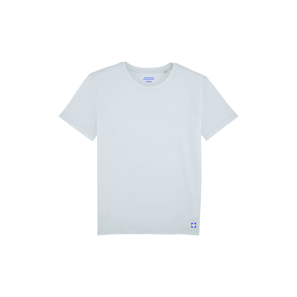 Morgan - la base packshot of an ice-blue usinex t-shirt in organic coton for women and men