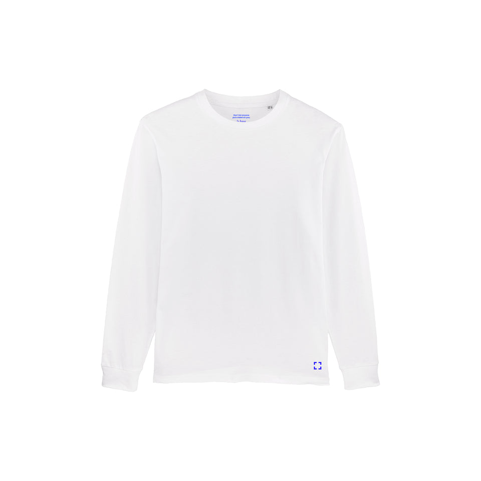 Tony - la base packshot of a white long-sleeve t-shirt in organic coton for men