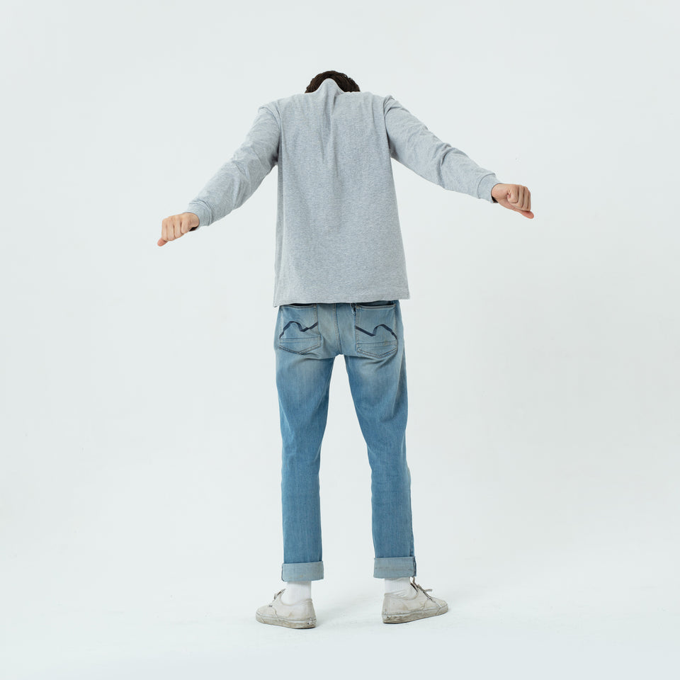 Tony - la base heather-grey long sleeve t-shirt in organic coton for men worn by Sebastien François