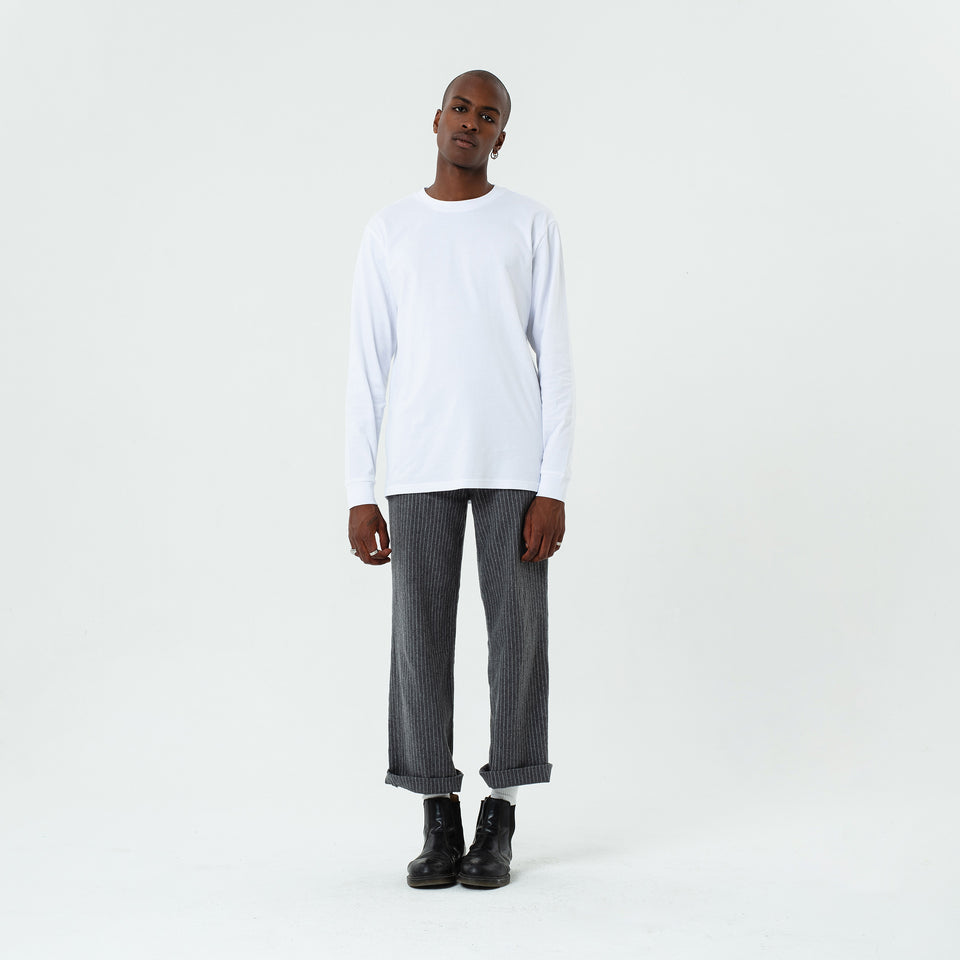 Tony - la base white long sleeve t-shirt in organic coton for men worn by Eklou