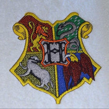 Hogwarts Badge Embroidery Design File
