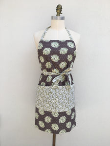 New - Perfect Apron - Chocolate Moss