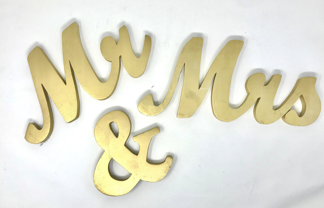 Mr and Mrs Wood Table Decor