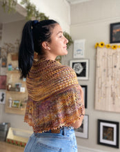 Load image into Gallery viewer, Knitted Shawl