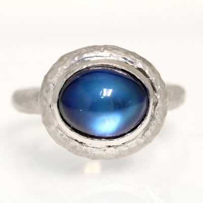 14K WHITE GOLD OVAL MOONSTONE AND ONYX DOUBLET RING