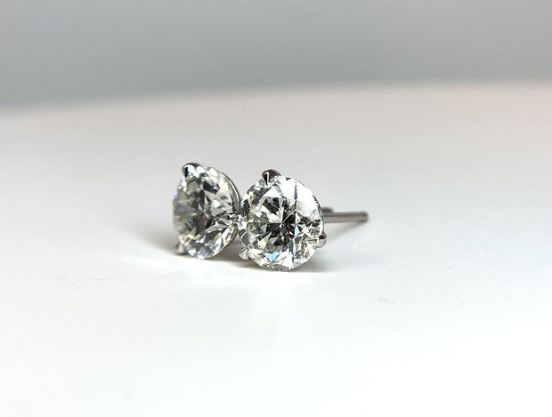 14kt White Gold Three Prong 'Martini' Studs