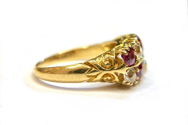 18K Yellow Gold Ruby & Diamond Ring