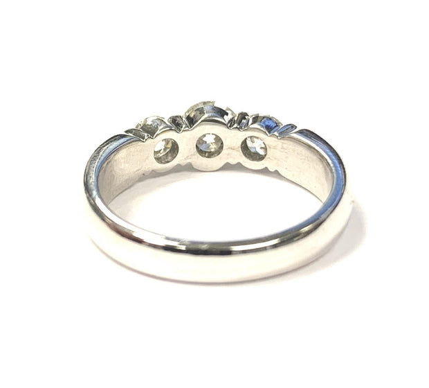 18K White Gold Diamond 3 Stone Ring