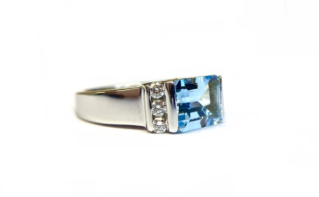 18K White Gold Emerald Cut Aquamarine and Diamond Ring
