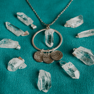 Collier Quartz Clair Encerclé