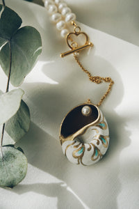 Ginger sea snail necklace