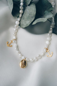 Shell anchor pearl necklace