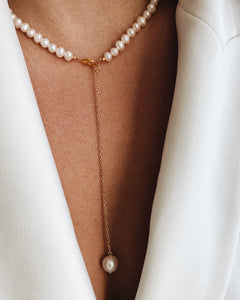 Delicate chain pearl necklace