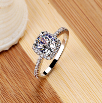 Elegant White Silver Ring