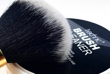 FRESH AND FAST CLEAN BRUSHES WITH TECHNIC
