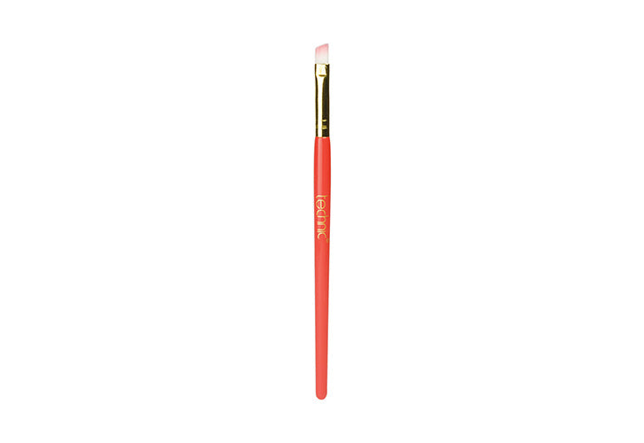 Technic Slanted Eyeshadow Brush