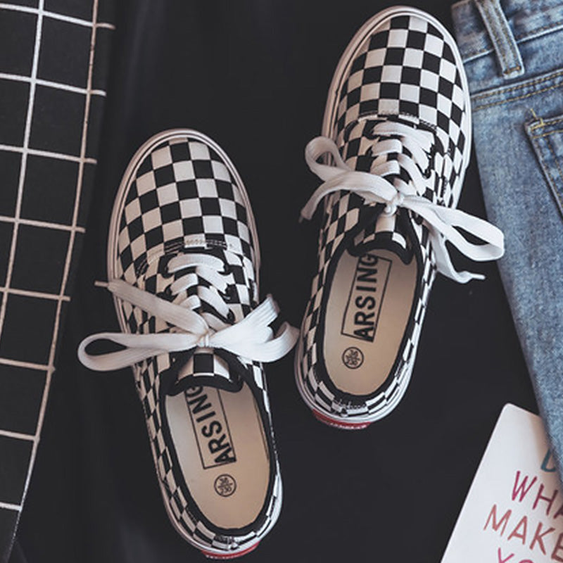 checkered shallow shoes