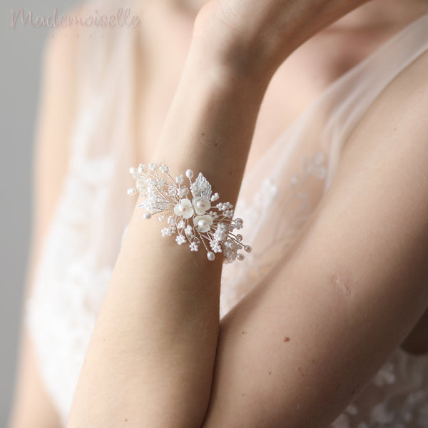 Blossom Freshwater Pearls Wrist Corsage