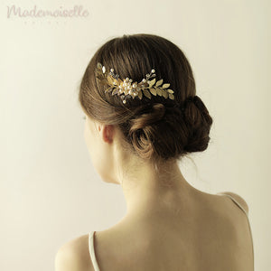 Leaves and Pearl Floral Comb