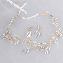 Snowy Leaf Ribbon Vine with Earrings