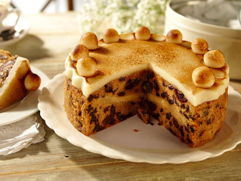 Simnel Cake - In Retro Tin