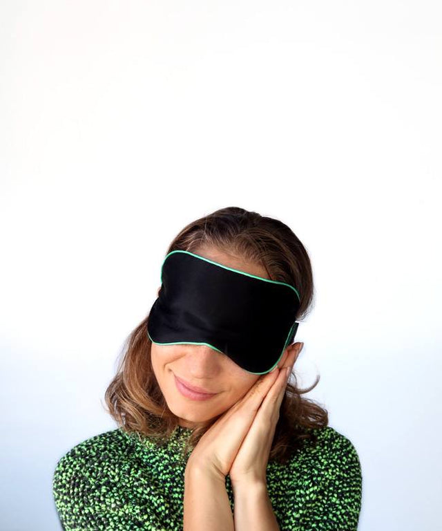 Silk eye mask. Light weight, gentle against eyelashes and delicate skin around the eyes.  Perfect for a great night's sleep. Find out more.