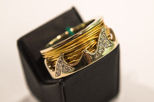 "Ring ""Gold Waves"" with Brilliants"