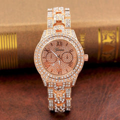2018 Luxury Ladies Watches Metal Bracelet Quartz Wrist watch For Women Gold Sliver Crystal Watch.
