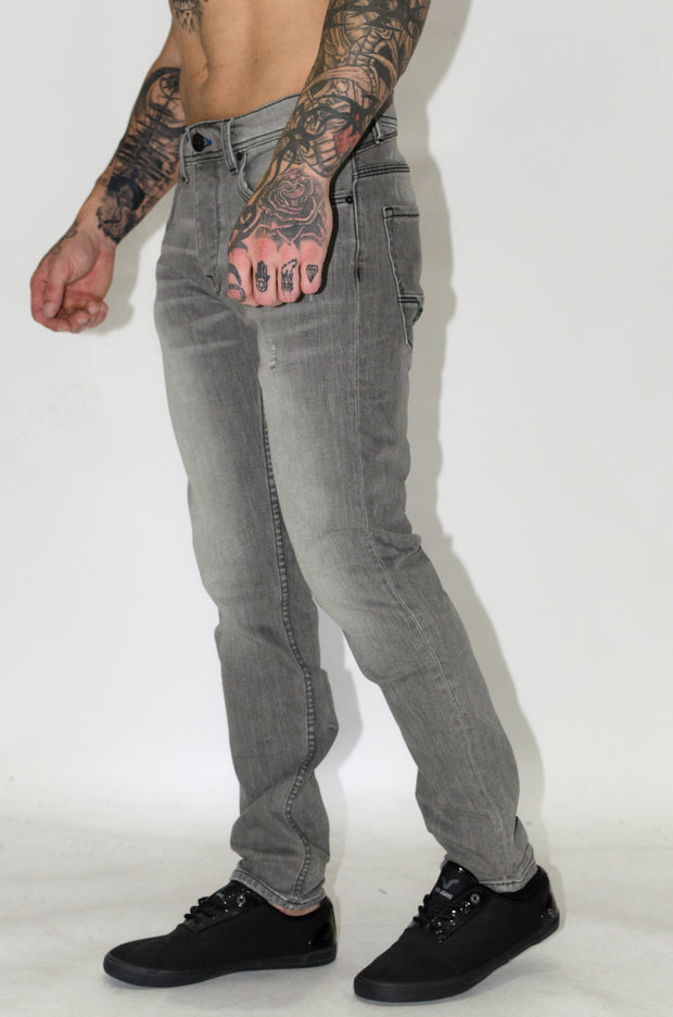 HJ 7000 Tapered Jeans - Voi Jeans