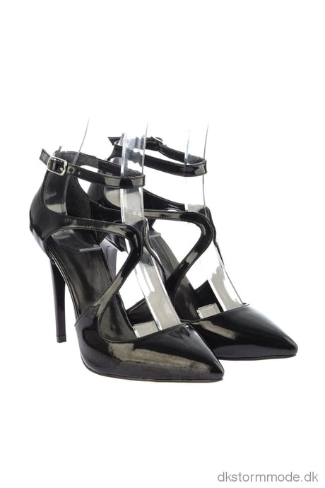 Trendyol Black Patent Leather Women S High-Heeled Shoes Takss19Az0008