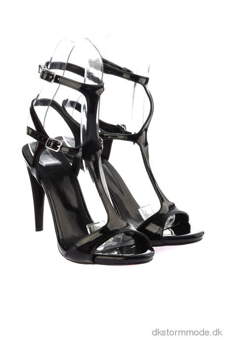 Trendyol Black Patent Leather Women S High-Heeled Shoes Takss19Az0059 Shoes