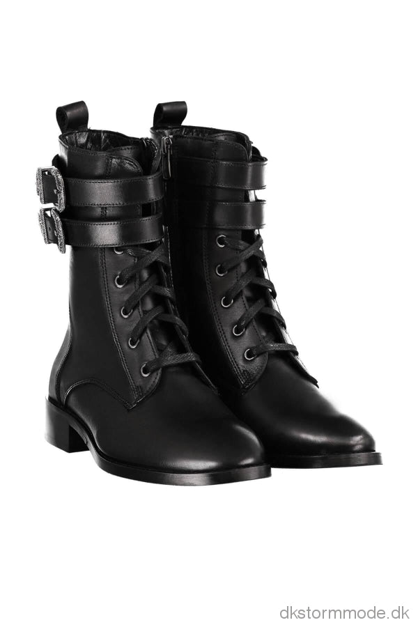Trendyol Genuine Leather Black Two Buckled Boots Tdpaw19Ee0007