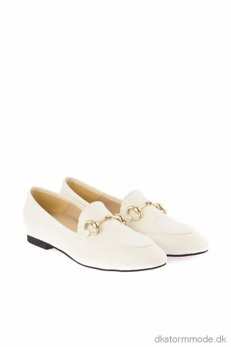 Trendyol Womens Shoes Kroko White Loaf Takss19Cs0027