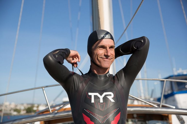 Ben Lecomte to swim across the Pacific Ocean to raise awareness on the ocean pollution crisis!