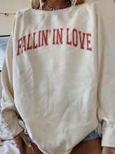 Load image into Gallery viewer, FALLIN' IN LOVE CREWNECK