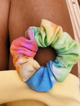 Load image into Gallery viewer, TIE DYE SCRUNCHIE
