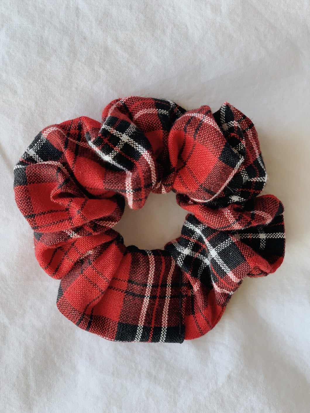 CHRISTMAS FLANNEL SCRUNCHIE