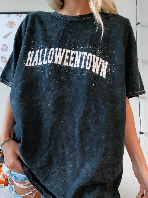 HALLOWEENTOWN TEE
