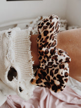 Load image into Gallery viewer, CHEETAH PRINT SCRUNCHIE - Olive Lynn