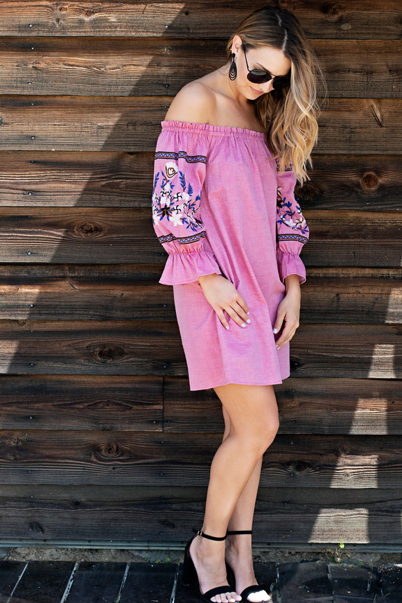 OFF THE SHOULDER EMBROIDERED SLEEVE