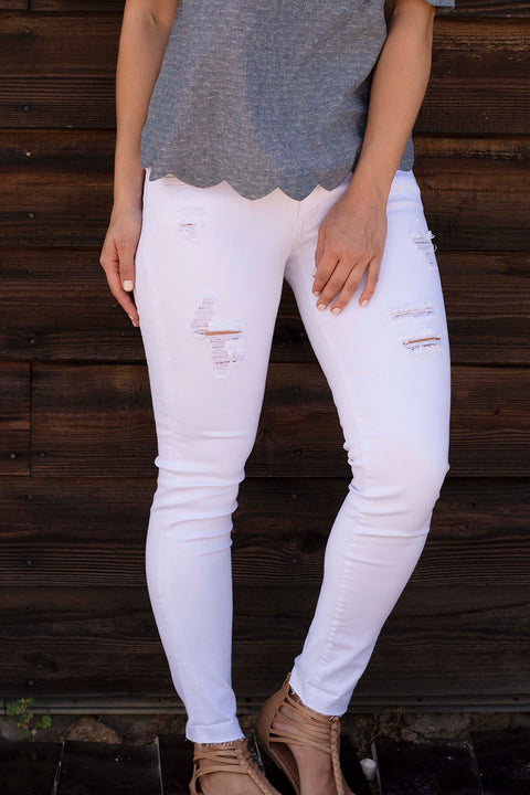 WHITE DISTRESSED SKINNY JEAN