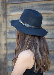 GOLD BUCKLE FELT HAT