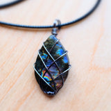 Labradorite Necklace - Grey Wolf | White Owl