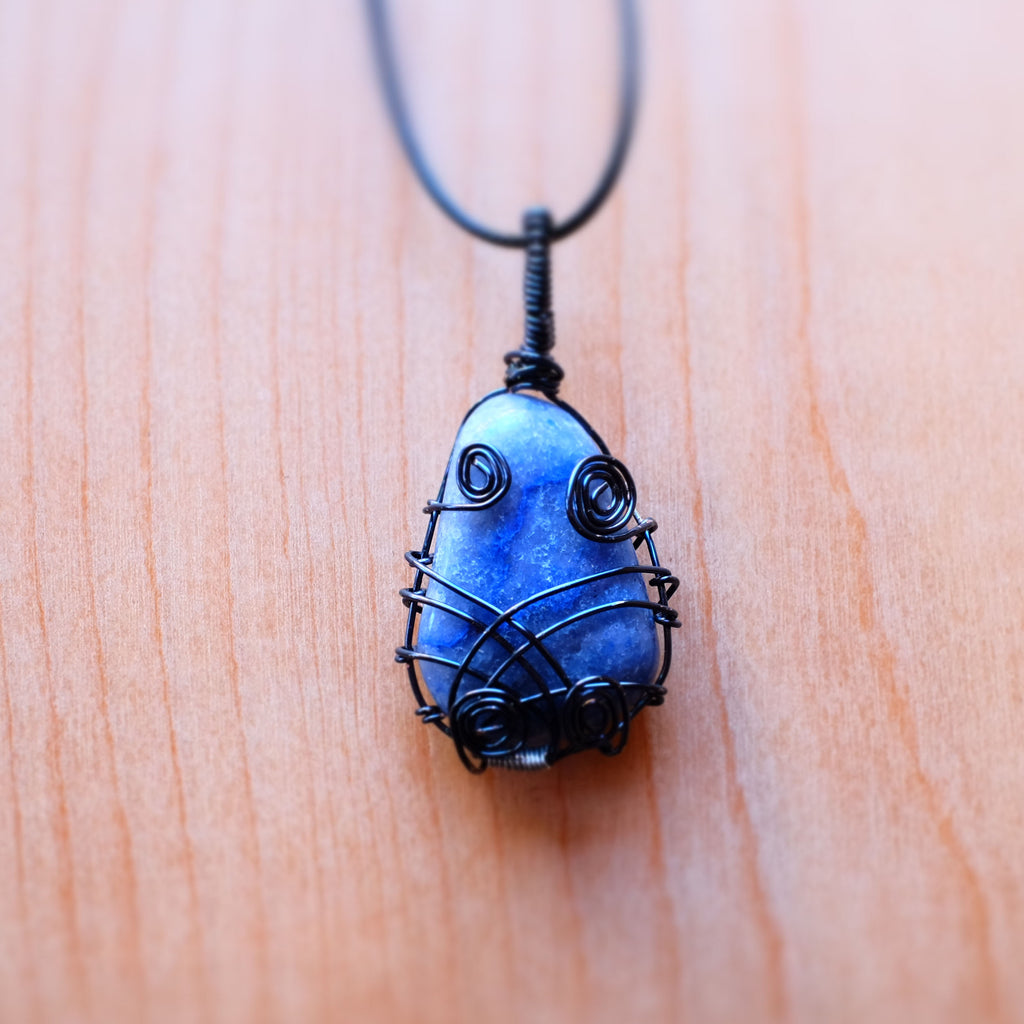 Blue Quartz Necklace - Grey Wolf | White Owl