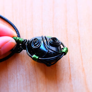 Green Goldstone wirewrap necklace - Grey Wolf | White Owl